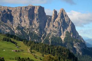 Die Santnerspitze (rechts) ist benannt nach dem Osttiroler Bergsteiger Johann Santner. Foto: Tourismusverein Tiers