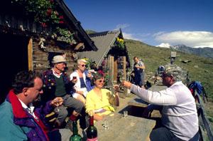 Umtrunk auf Schusterhütte (Ultental)