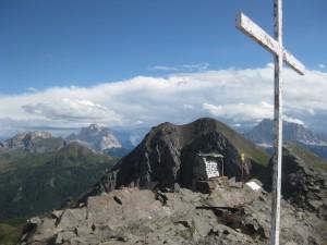 Manche Gipfel in den Dolomiten erinnern an die Schicksale ihrer Bezwinger