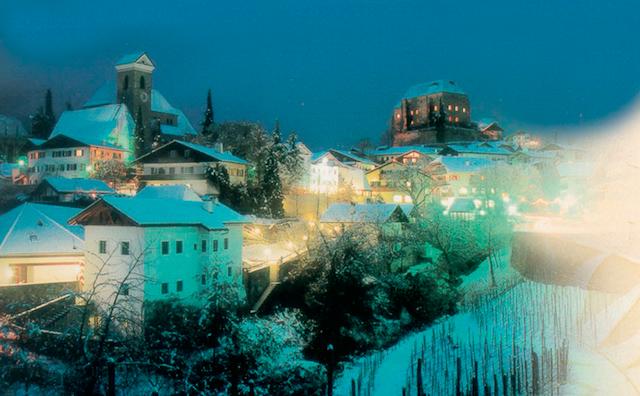 Weihnachtsmarkt  mit Überraschungen: Schlossadvent in Schenna; Foto: TV Schenna