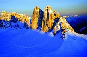 Eine gewaltige Bergformation: Die Drei Zinnen. - Foto: Dolomiti Superski