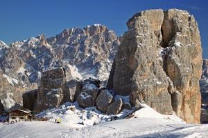Die Berge rund um Cortina sind mächtig und Furcht einflößend. - Foto: Bandion