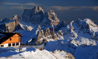 Willkommen auf dem Dach der Dolomiten: Rifugio Lagazuoi, Foto: Ralf Glaser
