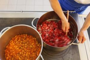 Alles frisch:Marmeladenherstellung auf dem Bauernhof, Foto: Freider Blickle, Südtirol Marketing