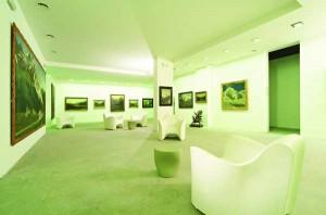 Modern sind die Ausstellungsflächen, die unter der Erde liegen, konzipiert. Foto: MMM/Tappeiner