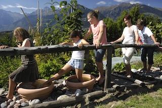 Familien-Kneippen: Die Südtiroler Bauern entdecken für die Gesundheit alte Lehren neu.