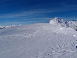 Weiß und Blau, das sind die Lieblingsfarben der Genuss-Skifahrer.