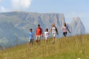 Familienwanderung über die Seiser Alm; Foto Laurin Moser