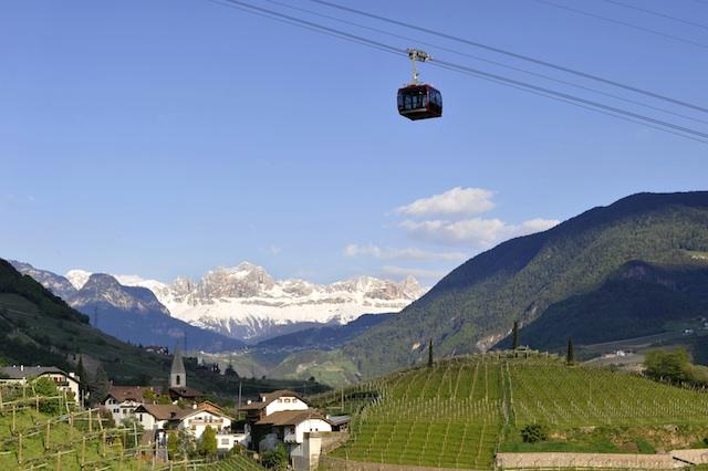 Die drei Bozner Seilbahnen Ritten-Jenesien-Kohlern führen hinauf in steile Höh. - Foto: Verkehrsamt der Stadt Bozen