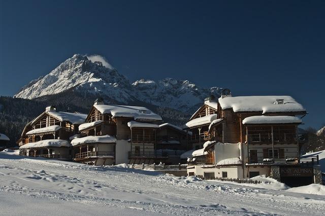 Liegt mitten in herrlicher Winterlandschaft: Post Alpina; Foto Marco Santini
