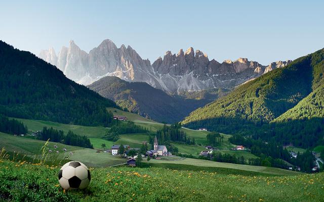 Die deutsche Fußball-Nationalmannschaft bezieht vor der WM in Brasilien das Trainingslager im schönen Südtirol