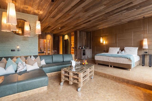 Absolut barfußtauglich: Die Natura Lofts in St. Kassian, Foto: Hotel Fanes