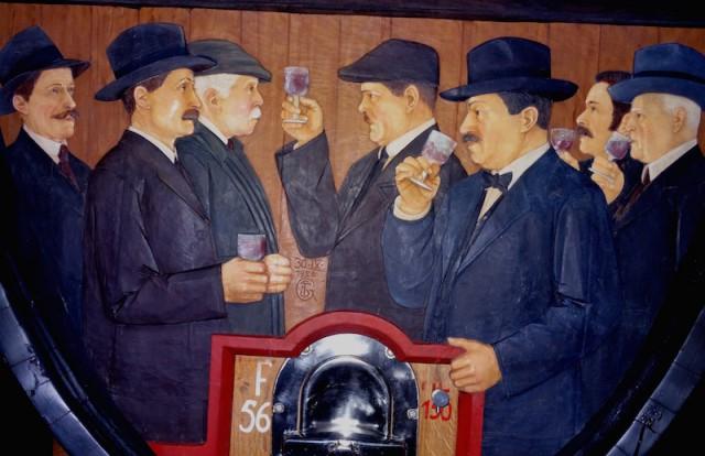 Im großen Weinfuder des Kellers von St. Michael, Foto: Albin Thöni/Schönessüdtirol.de