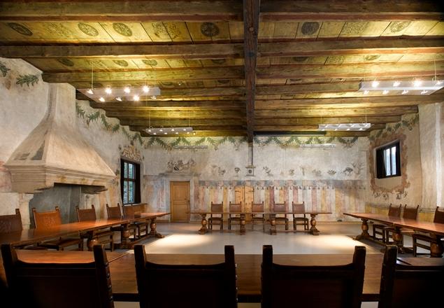 Prunksaal in Schloss Maretsch: Bei der Castelonda öffen fünf Schlöser ihre Pforten und gewähren spannende Einblicke in die mittelalterliche Kultur, Foto: TV Bozen