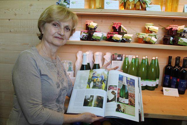 Gäste des Sandwiesenhofs finden viele bäuerliche Produkte im kleinen Bauernladen des Hofs: Foto: Heiner Sieger/schönessüdtirol.de