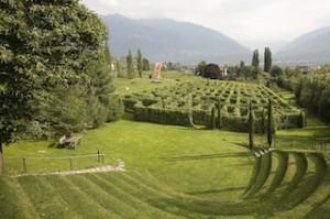 Das Labyrinth aus zehn Rebensorten ist der zentrale Ort des Kränzel-Gartens, Foto: Kränzel