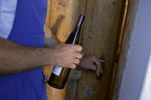 Nach einer ausgiebigen Wanderung schmackt der junge Wein am besten, Foto Florian Striebel,Roter Hahn