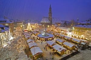 Auf dem Weihnachtsmarkt in Bozen kommen heuer die Kleinen ganz groß heraus.