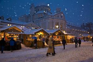 Vor dem Kurhaus in Meran herrscht in der Weihnachtszeit immer eine besondere Atmosphäre.