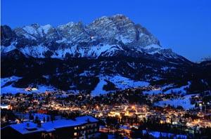 In Cortina ist immer was los, das Nachleben legendär. - Foto: Dolomiti Superski