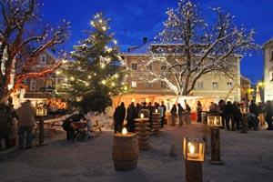 Ein malerischer Ort - nicht nur für einen Weihnachtsmarkt - ist der Stadtplatz von Glurns. Beide Fotos: Tourismusverein Glurns
