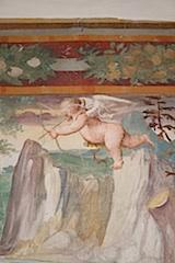 Auf Schloss Haselburg bei Bozen verschießt Amor seit Jahrhunderten seine Pfeile, Foto: Verkehrsamt der Stadt Bozen