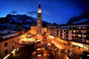 Einmaliges Flair: der Corso Italia in Cortina. - Foto: Zardini.