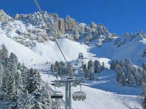 Skifahren unter den schroffen Zacken des Latemar - Obereggen  ist ein äußerst reizvolles Skigebiet. - Fotos: Tourismusverband
