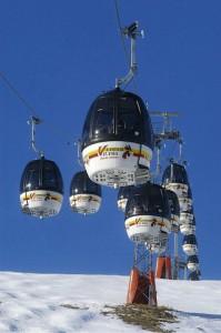 Mit modernen Gondeln dem Gipfel am Kronplatz entgegen. Foto: Marcus Gernspeck