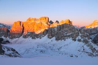 """Die """"Enrosadira"""", das Erröten der Berge, ist vom Lagazuoi aus besonders schön, Foto: Heiner Sieger"""