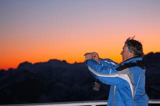 Die eigenen Batterien aufladen und die einmalige Stimmung des Sonnenuntergangs für daheim einfangen...., Foto: Heiner Sieger