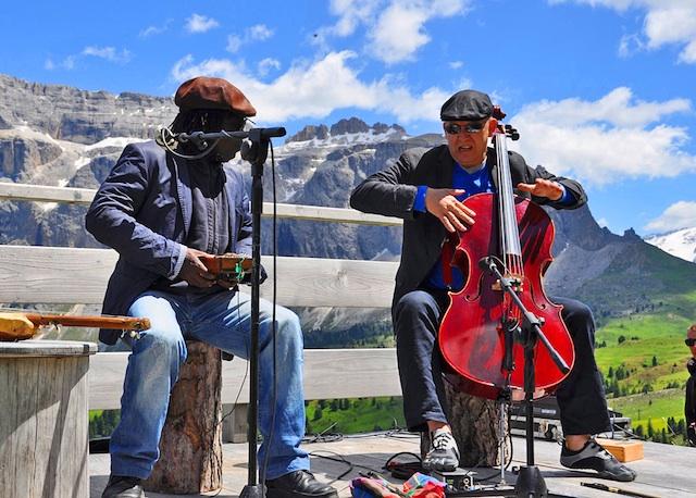 Auch heuer finden viele Konzerte wieder vor imposanten Südtiroler Naturkulissen statt, Foto: SJF