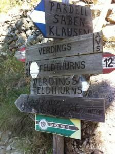 Hier geht's lang: Der Keschtnweg wird in mehreren Etappen erwandert. - Foto: Heiner Sieger