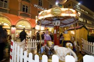 Das Kinderkarussell ist wie eh und je ein Anziehungspunkt für die Kleinen. - Foto: Verkehrsamt der Stadt Bozen