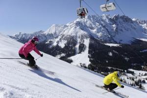 Auch in der Skiarea Carezza kann sportlich Ski gefahren werden. - Foto: Eggental Tourismus