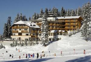 Vom Skikeller direkt auf die Piste und von dort wieder zum Ausgangspunkt zurück: die Lage des Hotels Cristal ist exorbitant.