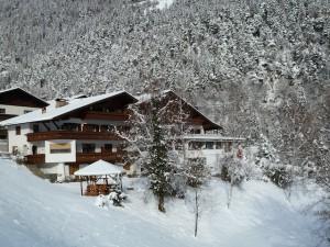 Naturnahes Skivergnügen und Verwöhnhotel im ruhigen Ultental