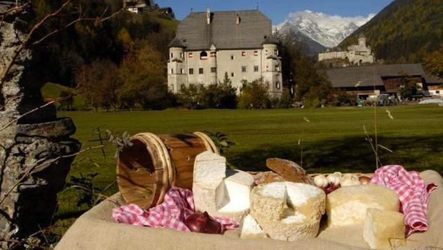 Der Ahrntaler Graukäse ist eine seltene Köstlichkeit. Foto: Gemeinde Sand-in-Taufers