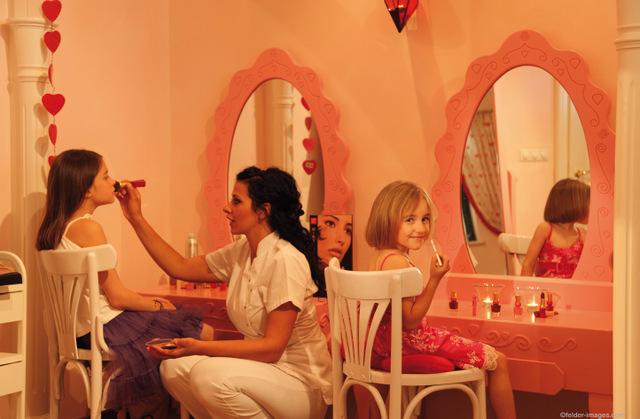 Auch Teenies haben Spaß an einer Schönheitsbehandlung wie die Mama; Foto: Cavallino Bianco