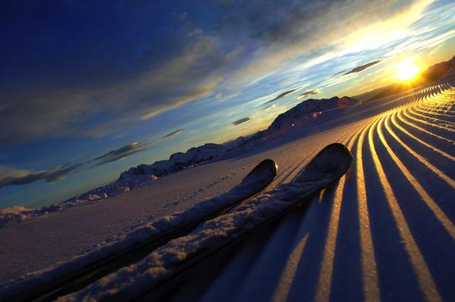 Den Sonnenaufgang auf den Skier zu sehen, ist ein sensationelles Erlebnis, Foto: Trentino Tourismus