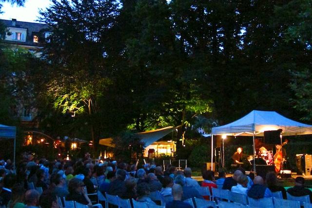 Hohe Jazzkunst im stimmungsvollen Park des Parkhotels Laurin in Bozen, Foto: N.Linz