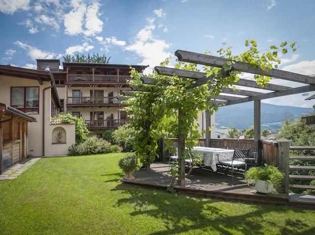 Im Vitalpina-Hotel Taubers Unterwirt in Feldthurns stehen Küche und Wellness im Zeichen der Kastanie, Foto: Vitalpina