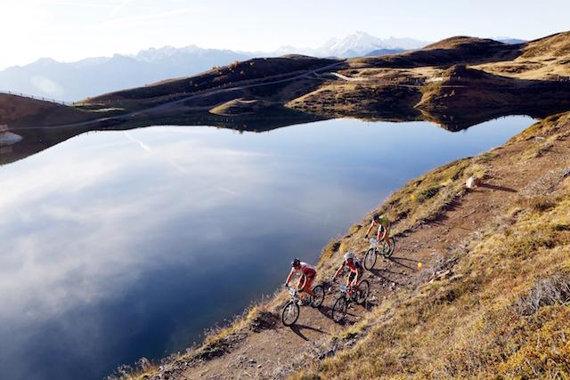 """Der Pfaffensee am Watles im Vinschgau zählt zu den landschaftlich reizvollsten Stationen des """"Ortler Bike Marathon"""". Foto: Ortler Bike Marathon/Sabine Jacob"""