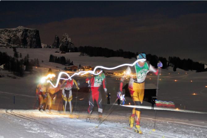 Skirennen mit Mondlicht und Stirnlampen: Moonlight Classics auf der Seiser Alm, Foto: moonlight classics, Indio