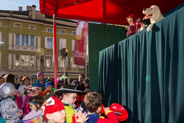Faschinsspass für Kinder am Bozener Waltherplatz, Foto: TV Bolzano-Bozen