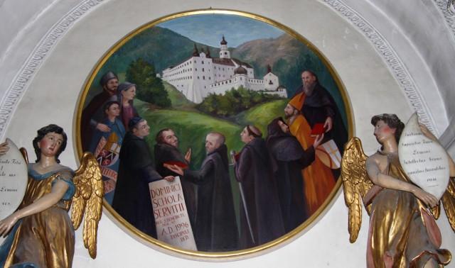 Die Benediktiner beten für das gute Wachsen und Gedeihen des neuen pilzwiderständigen Weines; Foto: Albin Thöni/schönessüdtirol.de