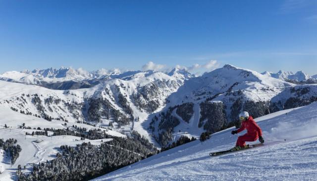 Am frühen Morgen auf frischen Pisten macht das Skifahren in Obereggen am meisten Spaß; Foto: Paolo Cadeluppi