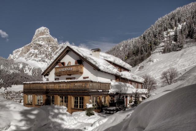 Als eines der ältesten Häuser in Corvara besticht das urige Berghotel Ladinia durch eine rustikale Einrichtung, Foto; Freddy Planinschek